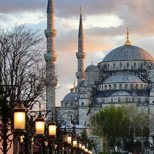 mosque, minarets, street lamps-279015.jpg